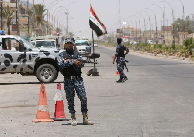 Ataki samobójcze w pobliżu miasta Tikrit, 150 km na północ od Bagdadu