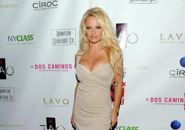 Pamela Anderson, gala w Nowym Jorku