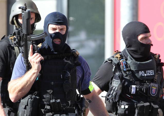 Niemiecka policja szuka Syryjczyka. Planował zamach terrorystyczny