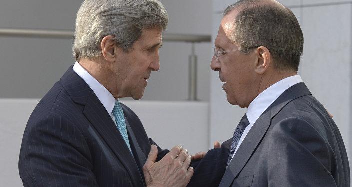 Minitser spraw zagranicznych Siergiej Ławrow i sekretarz stanu USA John Kerry