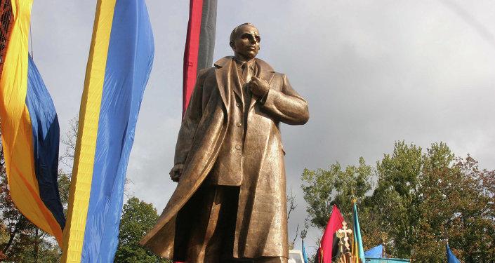 Pomnik Bandery we Lwowie