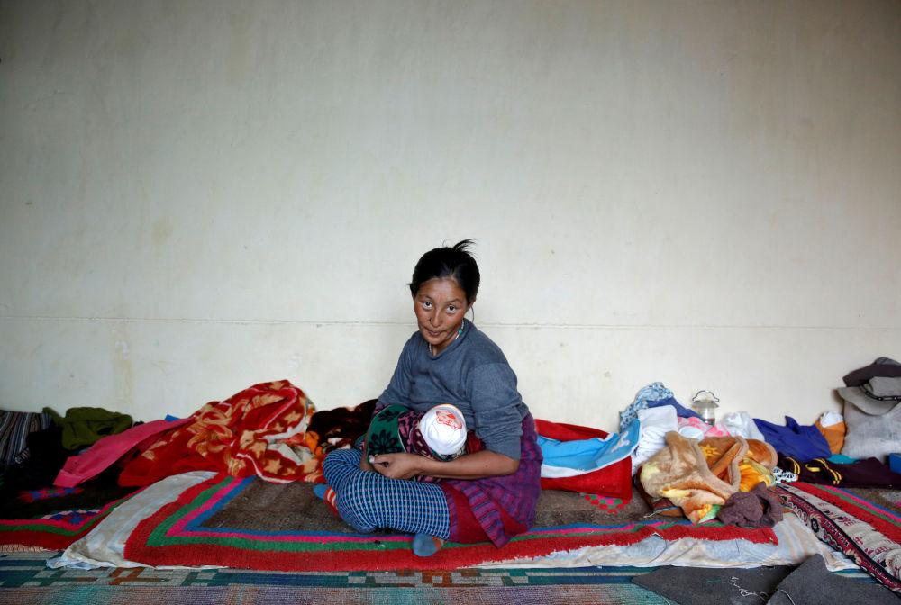 Kobieta z dzieckiem, Himalaje