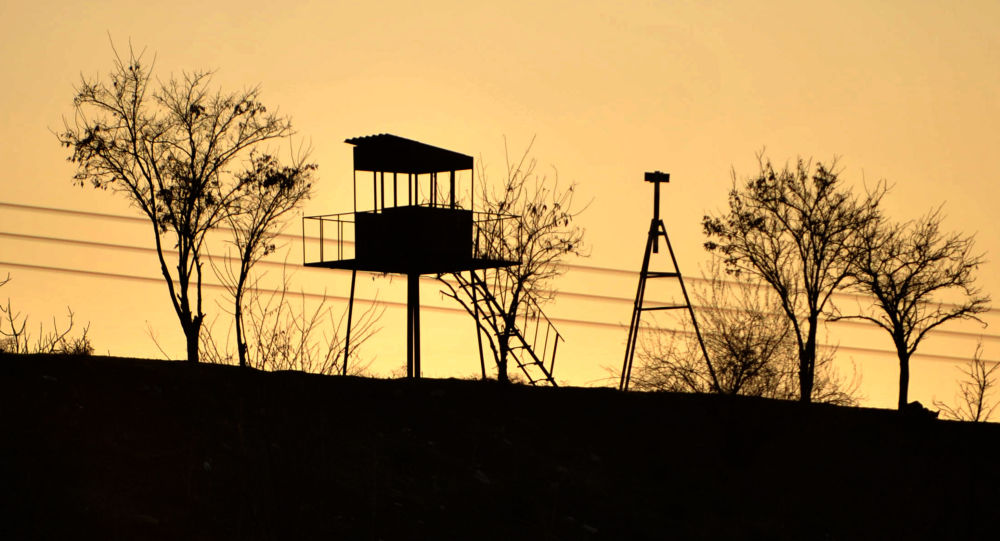 Wieża widokowa na granicy Syrii i Turcji