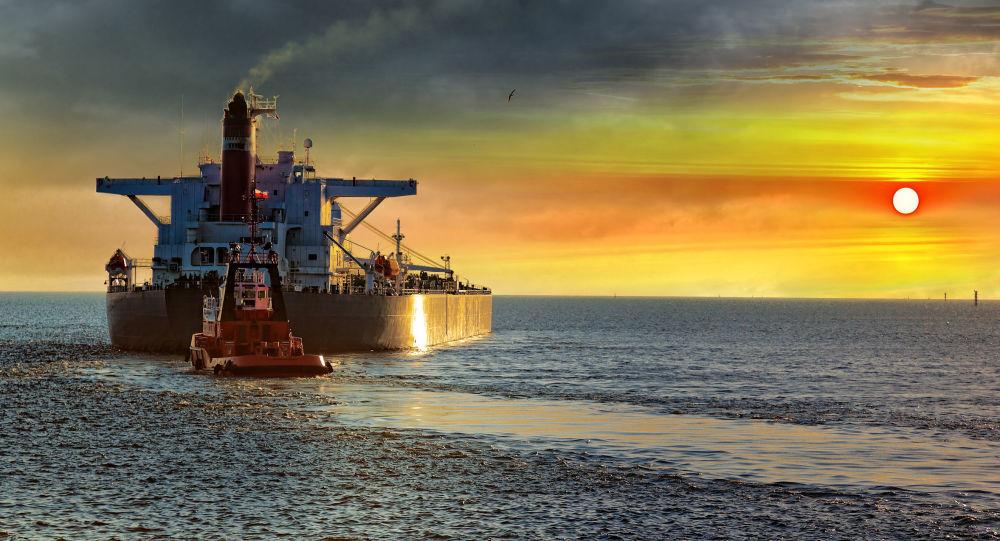 Tankowiec na morzu