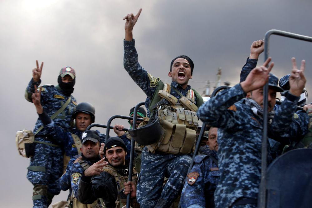 Bojownicy Sił Zbrojnych Iraku podczas operacji wyzwolenia Mosulu