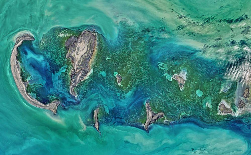 Zdjęcie Morza Kaspijskiego zrobione z kosmosu.