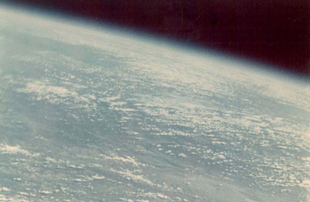 Pierwszym kosmonautą, który sfotografował Ziemię, był German Titow. To zdjęcie zostało zrobione 55 lat temu - w 1961 roku.
