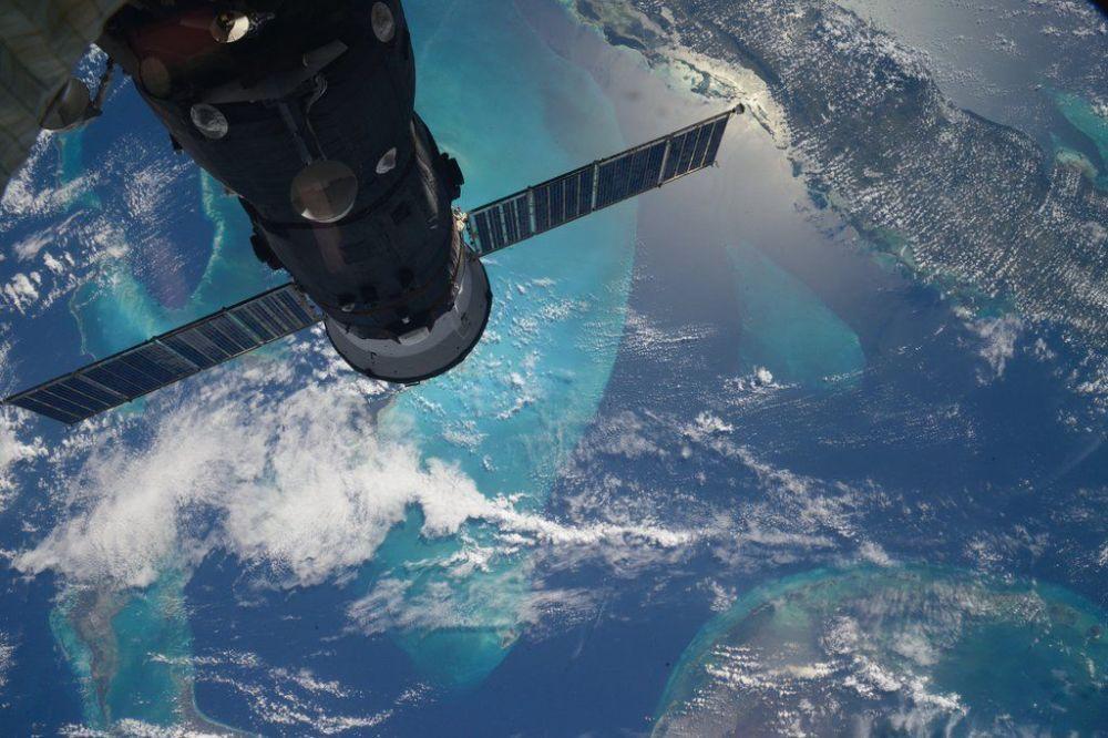 Egzotyczne wyspy Morza Karaibskiego uchwycone przez rosyjskiego kosmonautę Siergieja Wołkowa z Międzynarodowej Stacji Kosmicznej.