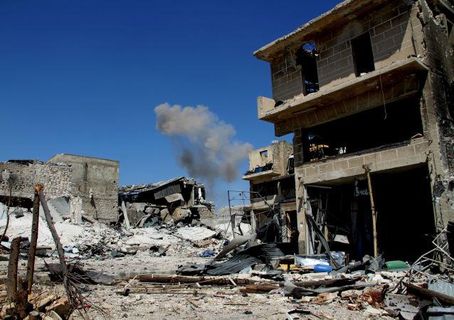 Zburzone budynki na południu Aleppo w Syrii
