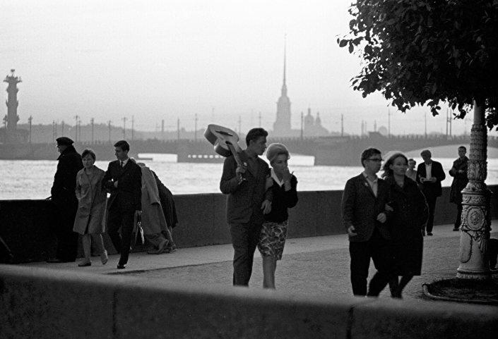 Białe noce w Leningradzie.