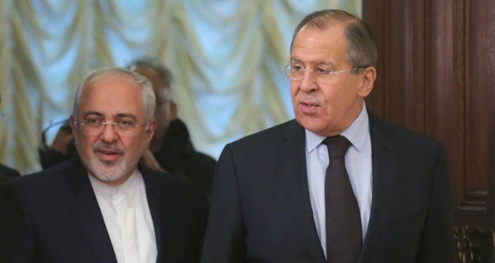 Minister spraw zagranicznych Rosji Siergiej Ławrow i szef MSZ Iranu Mohammed Zarif