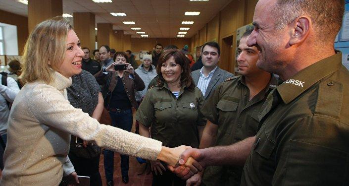Spotkanie rzeczniczki rosyjskiego MSZ Marii Zacharowej i przewodniczącego polskiego stowarzyszenia wojskowo-patriotycznego Kursk Jerzego Tyca