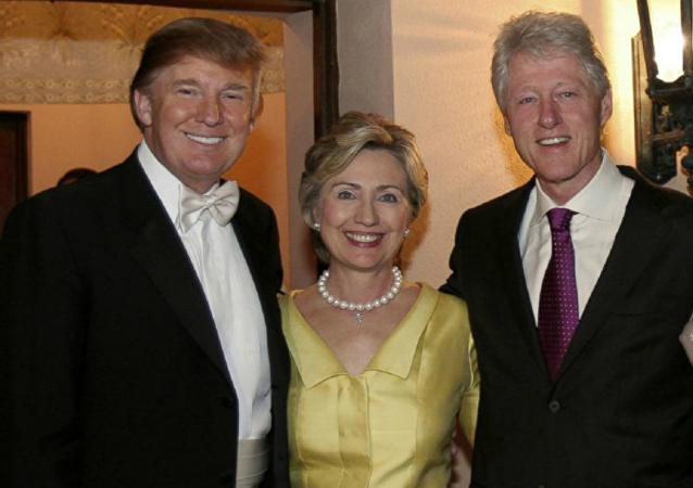 Bill i Hillary Clintonowie na ślubie Donalda i Melanii Trumpów