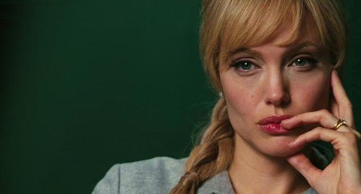 Angelina Jolie jako agentka CIA oskrarżona o szpiegostwo na rzecz Rosji w filmie Salt