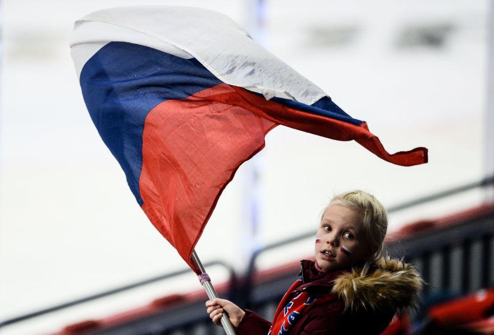 Kibicka na meczu hokejowym Rosja-Czechy