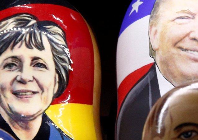 Matrioszka z Donaldem Trumpem i Angelą Merkel