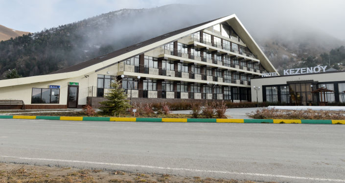 Hotel Piramida nad jeziorem Kezenoy-Am w Czeczenii