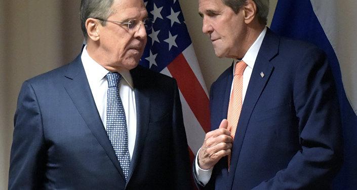Sekretarz stanu USA John Kerry i szef MSZ Rosji Siergiej Ławrow