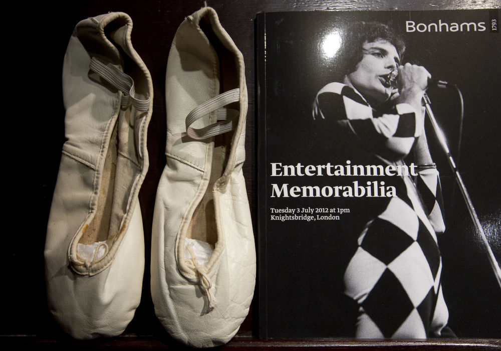 """""""Puenty"""" baletowe, który nosił Freddie Mercury w czasie występów."""