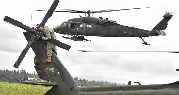 Śmigłowiec UH-60 Black Hawk amerykańskich sił powietrznych na Alasce