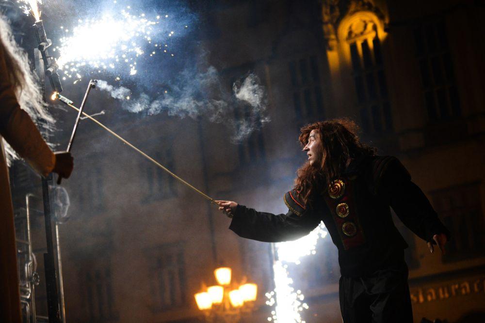 Magiczny Korowód Wróżek i Magów na Jarmarku Bożonarodzeniowym we Wrocławiu