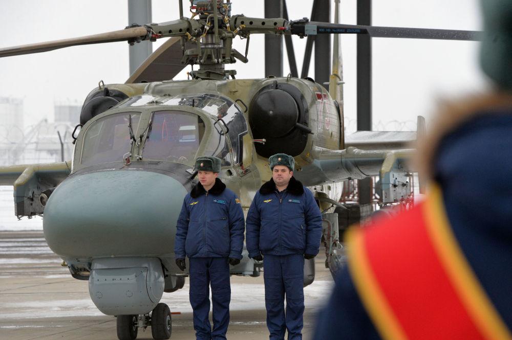 Przekazanie nowych śmigłowców uderzeniowych Ka-52 personelowi Pułku Śmigłowców Południowo-wschodniego okręgu w Krasnodarskim kraju