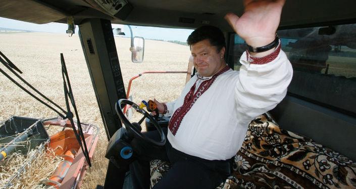 Petro Poroszenko w kombajnie