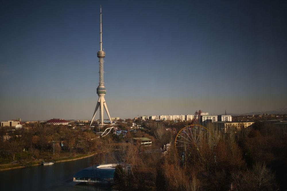 Wieża telewizyjna w Taszkencie.