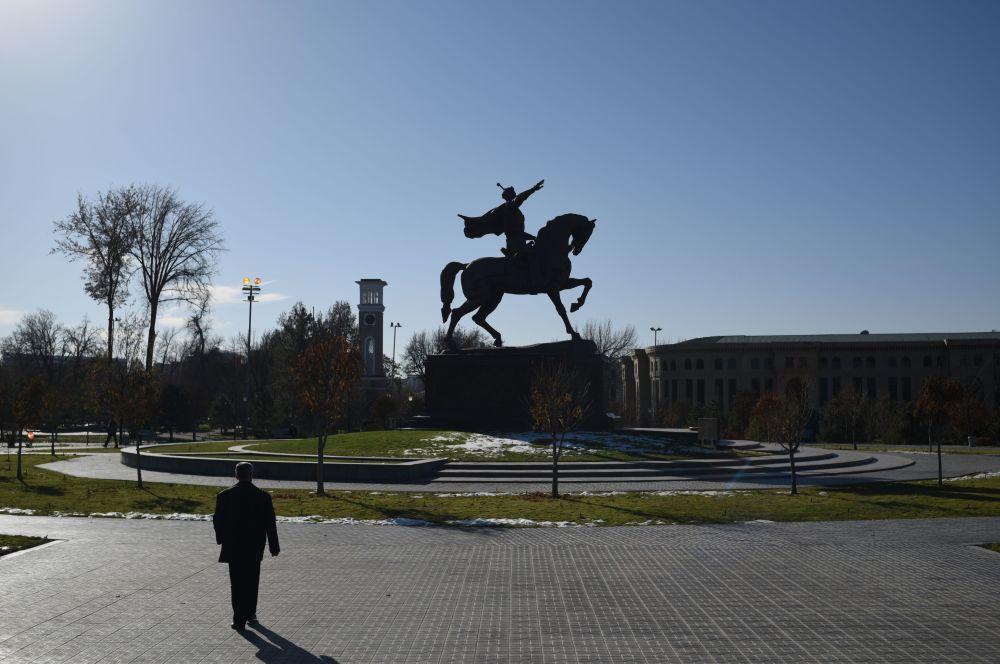 Pomnik Amira Timura w Taszkencie.