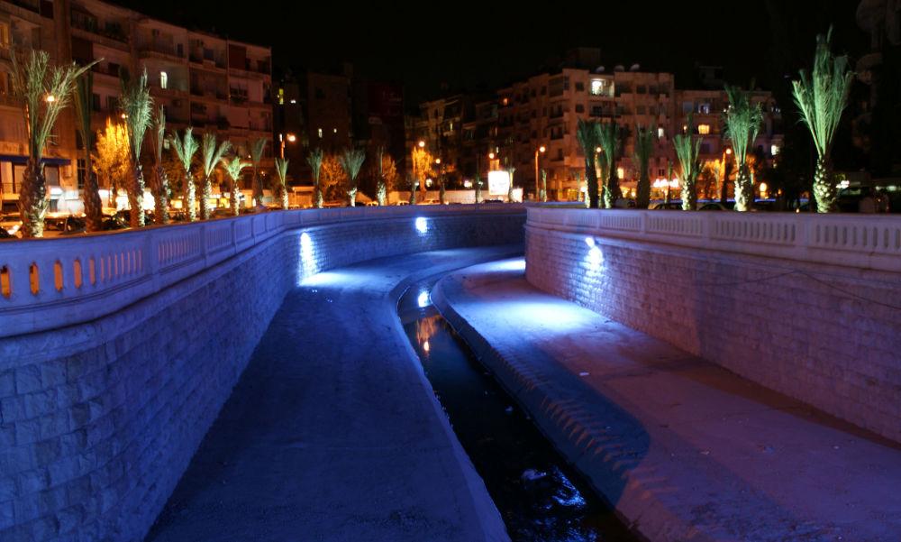 Koryto rzeki Queiq w Aleppo w 2010 roku