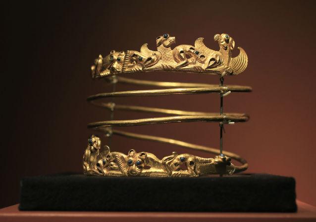 """Eksponat wystawy """"Krym: Złoto i tajemnice Morza Czarnego"""" w Muzeum Archeologicznym Allarda Piersona w Amsterdamie"""