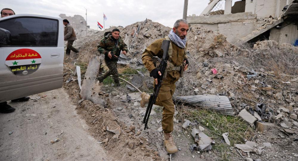 Żołnierze syryjskich wojsk rządowych w Aleppo