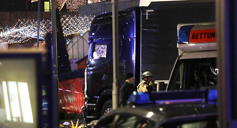 Ciężarówka, która wjechała w tłum na jarmarku świątecznym w Berlinie