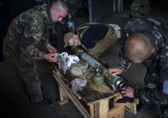 Powstańcy batalionu Prizrak, Ługańsk