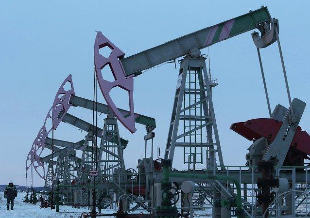 Rosja od 1 stycznia zacznie ograniczać wydobycie ropy naftowej w ramach umowy z OPEC, która ma ustabilizować światowy rynek ropy naftowej