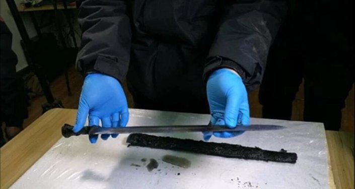 Miecz znaleziony w chińskim grobowcu