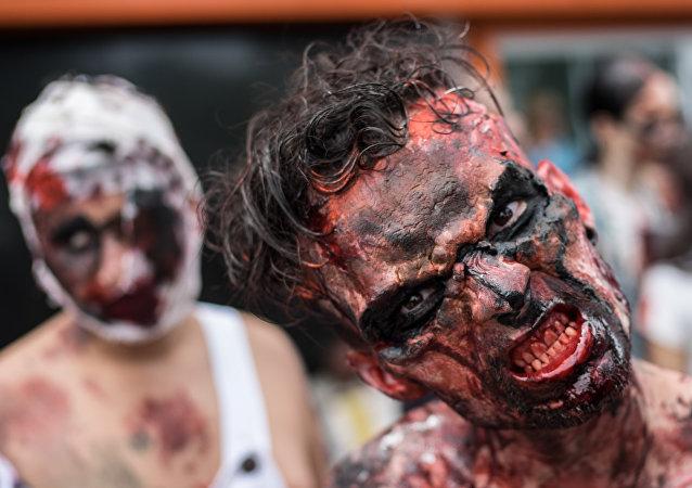 Uczestnik Zombie Walk w Rio de Janeiro, Brazylia
