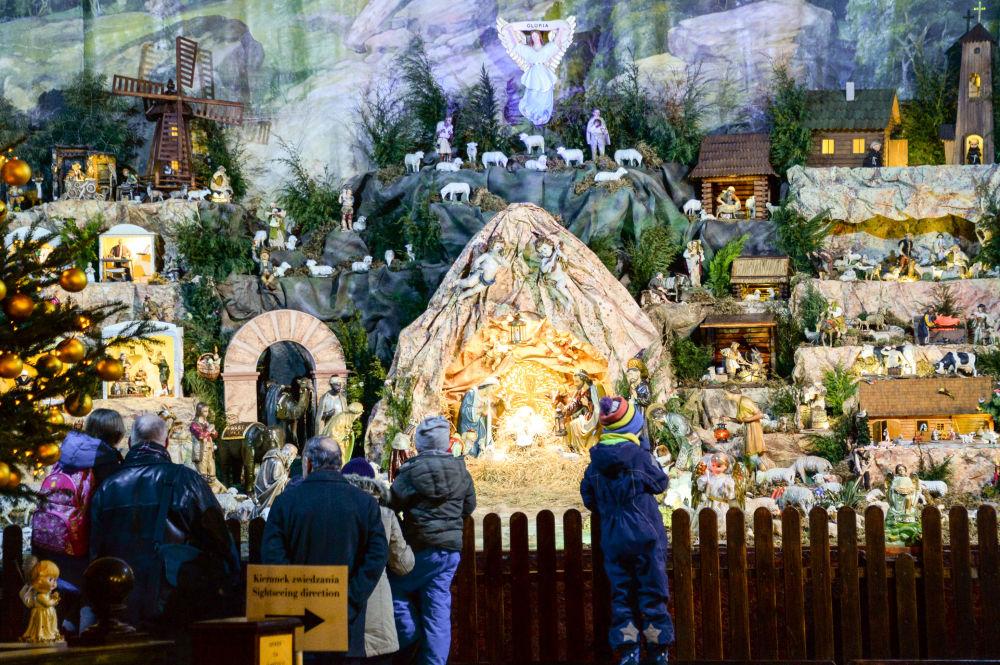 Szopka bożonarodzeniowa w kościele św. Bernardyna w Krakowie
