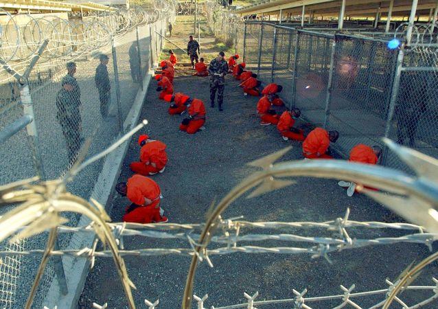 Więźniowie Guantanamo.