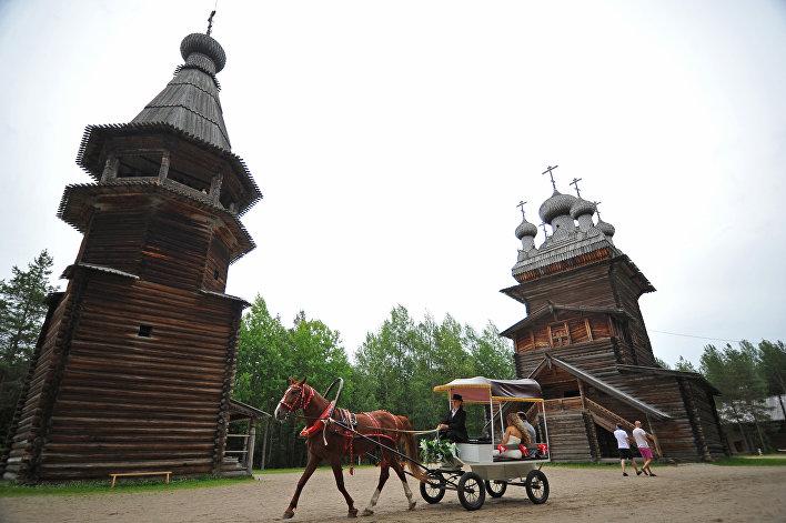 """Muzeum Architektury Drewnianej """"Małyje Korieły"""""""