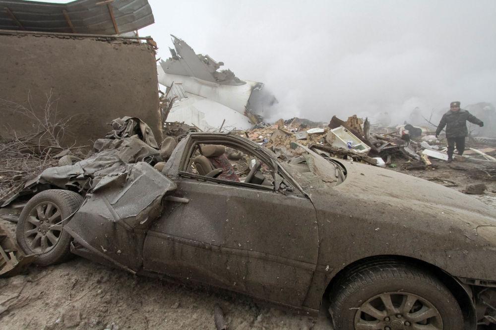 Zdaniem wicedyrektora Agencji Lotów Cywilnych Kirgistanu Bakyta Dżunuszalijewa podczas lądowania była mgła, ale to nie stanowiło przeszkody w prawidłowym lądowaniu.