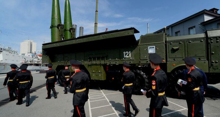 Wyrzutnie rakietowe Iskander-M na Międzynarodowym Forum Wojskowo-Technicznym Armia-2016 we Władywostoku