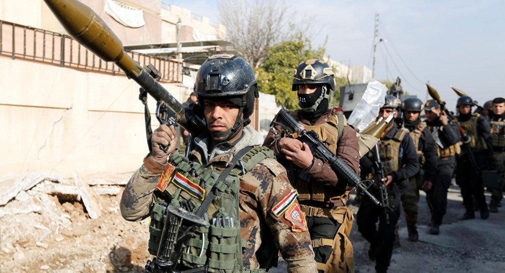 Irackie Siły Specjalne podczas operacji odbicia terutorium uniwersytetu w Mosulu, 13 stycznia 2017