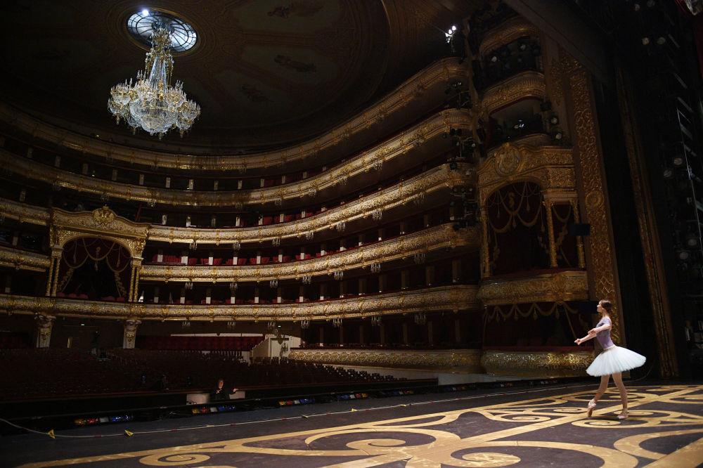 Scena Historyczna Teatru Wielkiego.