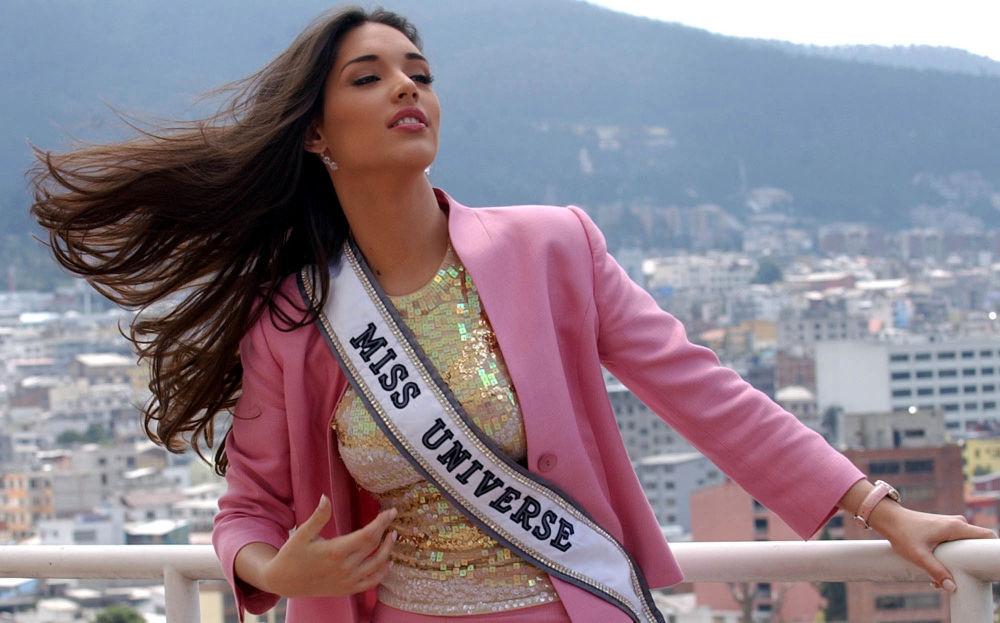 Zwyciężczyni konkursu Miss Universe 2003 Amelia Vega z Dominikany