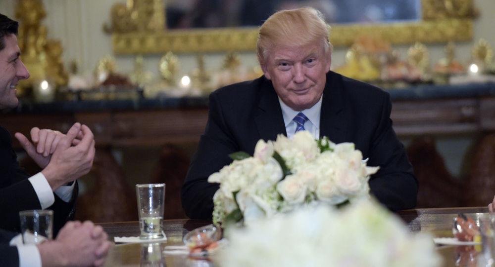 Prezydent Donald Trump na przyjęciu w Białym Domu w Waszyngtonie