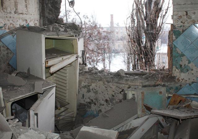 Mieszkanie po ostrzale przez ukraińskie siły zbrojne, Donieck