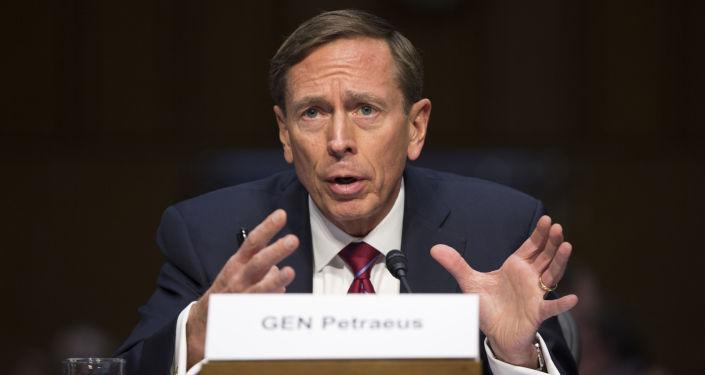 Były szef CIA David Petraeus