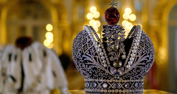 Kostiumy z filmu Aleksieja Uczitiela Matylda na wystawie w Carskim Siole.