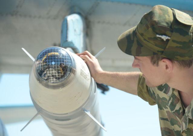 """Laserowa głowica bojowa pocisku klasy """"powietrze-ziemia"""""""